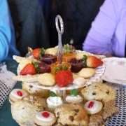 Scones, Desserts & Friuts